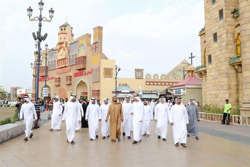 sheikh mohammed visits dubai global village (5)