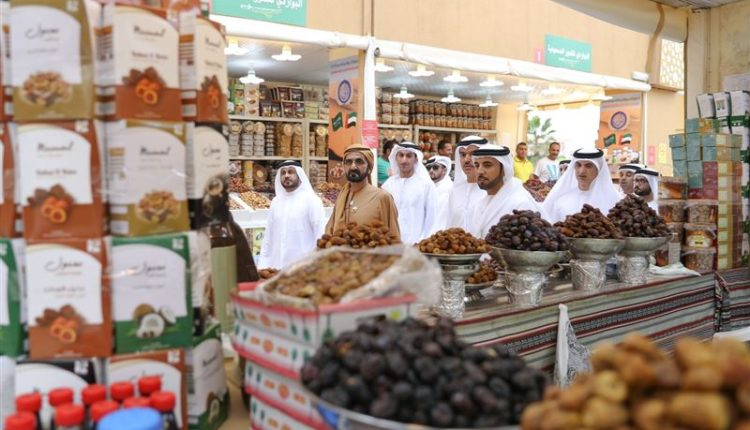 sheikh mohammed visits dubai global village (7)